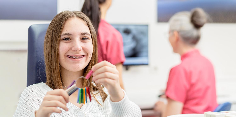 Kieferorthopädie Gladbeck - Dr. Kinner - KFO für Jugendliche